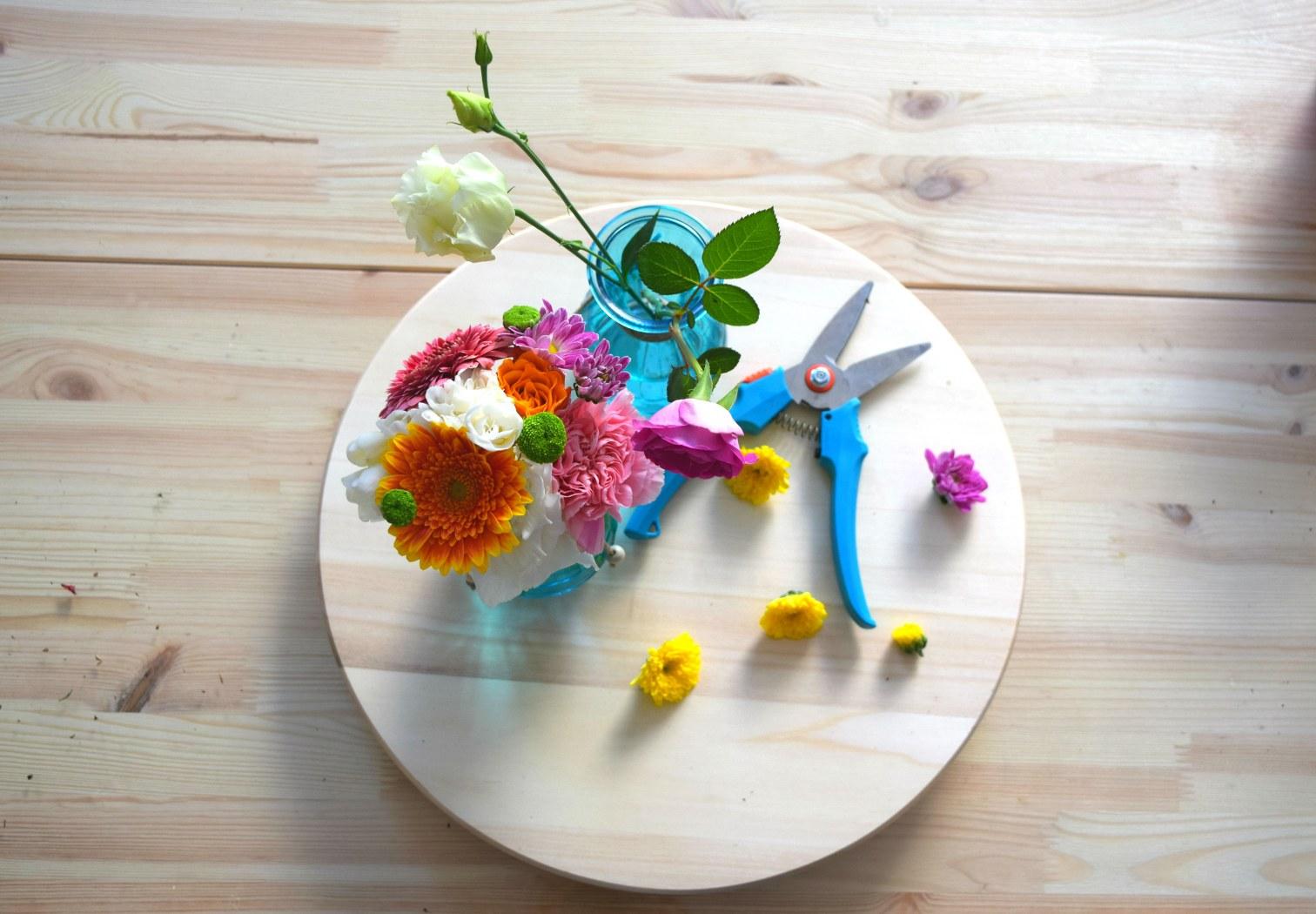 blue daisy atelier floral